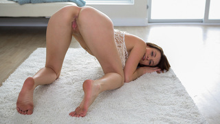 Tattooed Aspen Ora takes cock all the way in her mouth