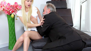 Teen gets picked up by an old man then he fucks her
