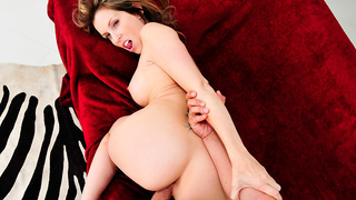 Courtney Cummz is a brunette milf with an amazing body. This mom definitely rocks! She has a nice pair of tits, a juicy ass and a tight pink pussy that looks tasty. Als should consider himself lucky. To fuck a mom that looks like Courtney is every mans dr