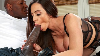 Ariella Ferrera talks to the camera and Miles to let us know her love for big cocks. She explains how she was 19yo when she first tasted her first huge cock and chased it ever since. Mandingo brings her what she's been looking for and more. She freaks o